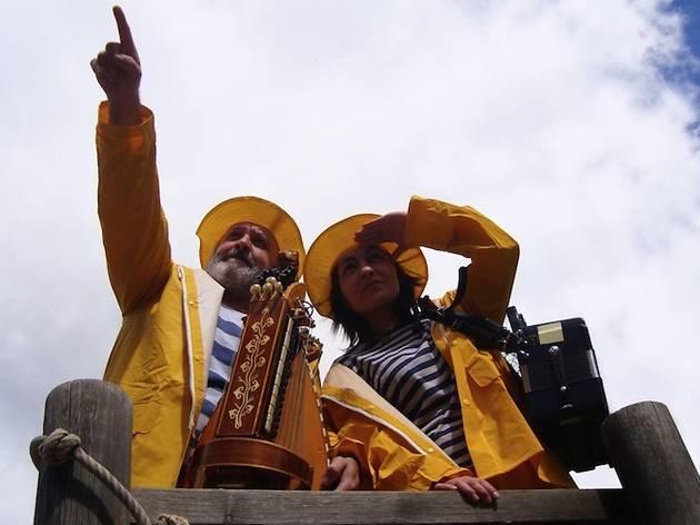 La plaça del folk 2014: La Viu-viu + Carles Belda i Marc Serrats