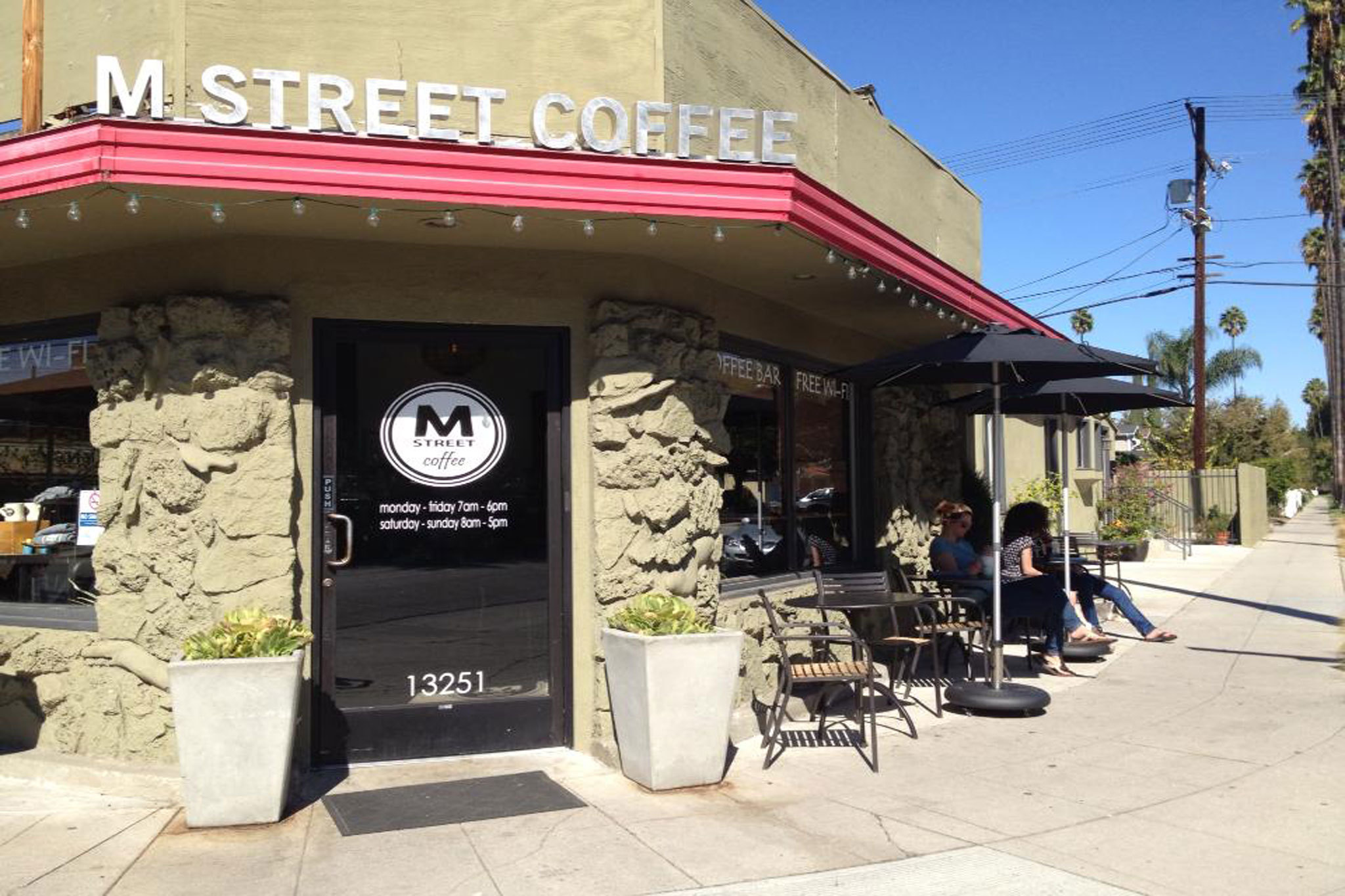 The Best Coffee Shops In Studio City Sherman Oaks