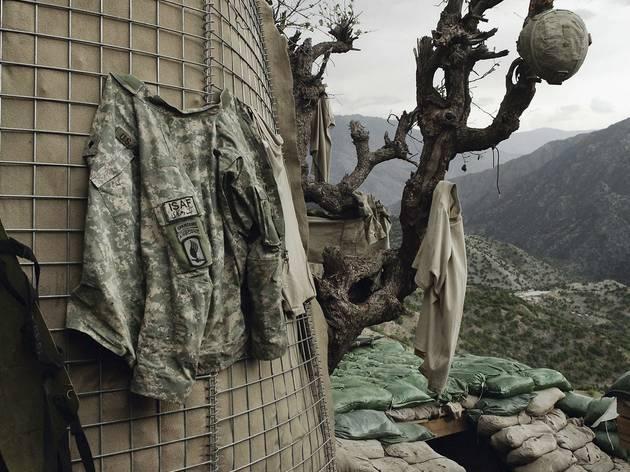 Tim Hetherington ( 'Untitled (Korengal Valley, Kunar Province, Afghanistan)', 2008. © Tim Hetherington, Courtesy Yossi Milo Gallery, New York and Magnum.)