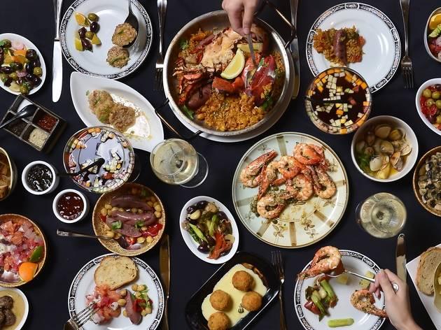 Viva La Vida buffet at Sentidos Tapas