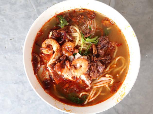 Chicken and prawn noodles at San Peng Prawn Noodles