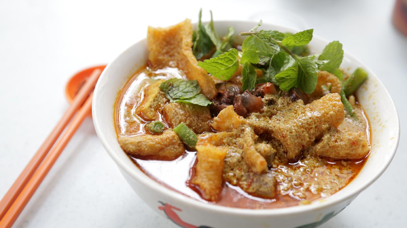 Curry noodles at Restoran 168