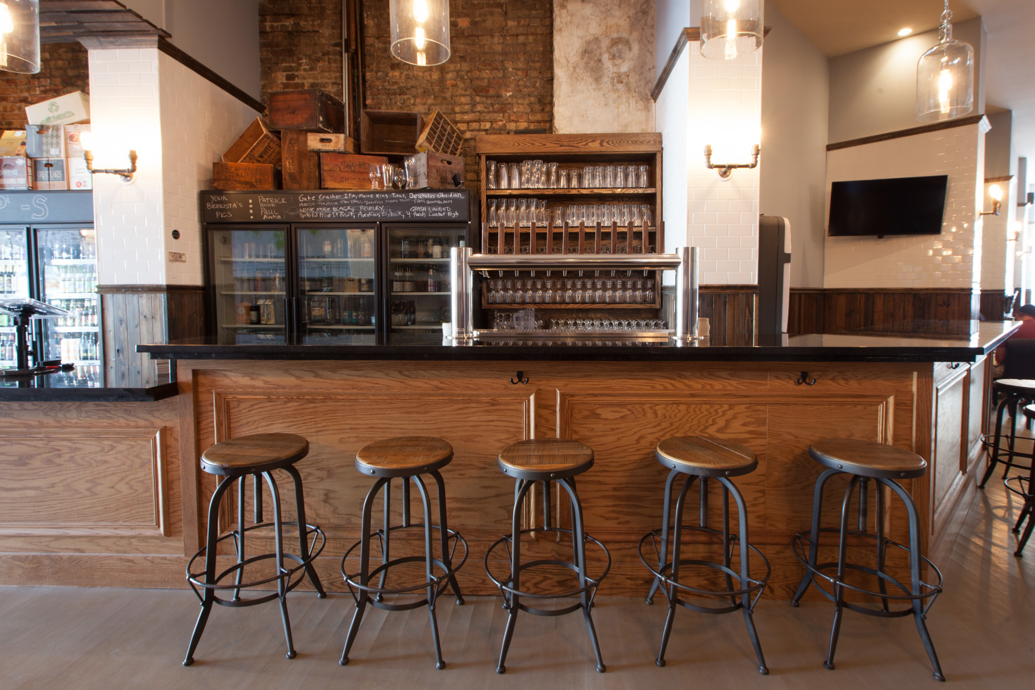 <p>Beermiscuous is a beer cafe in Lakeview.</p>