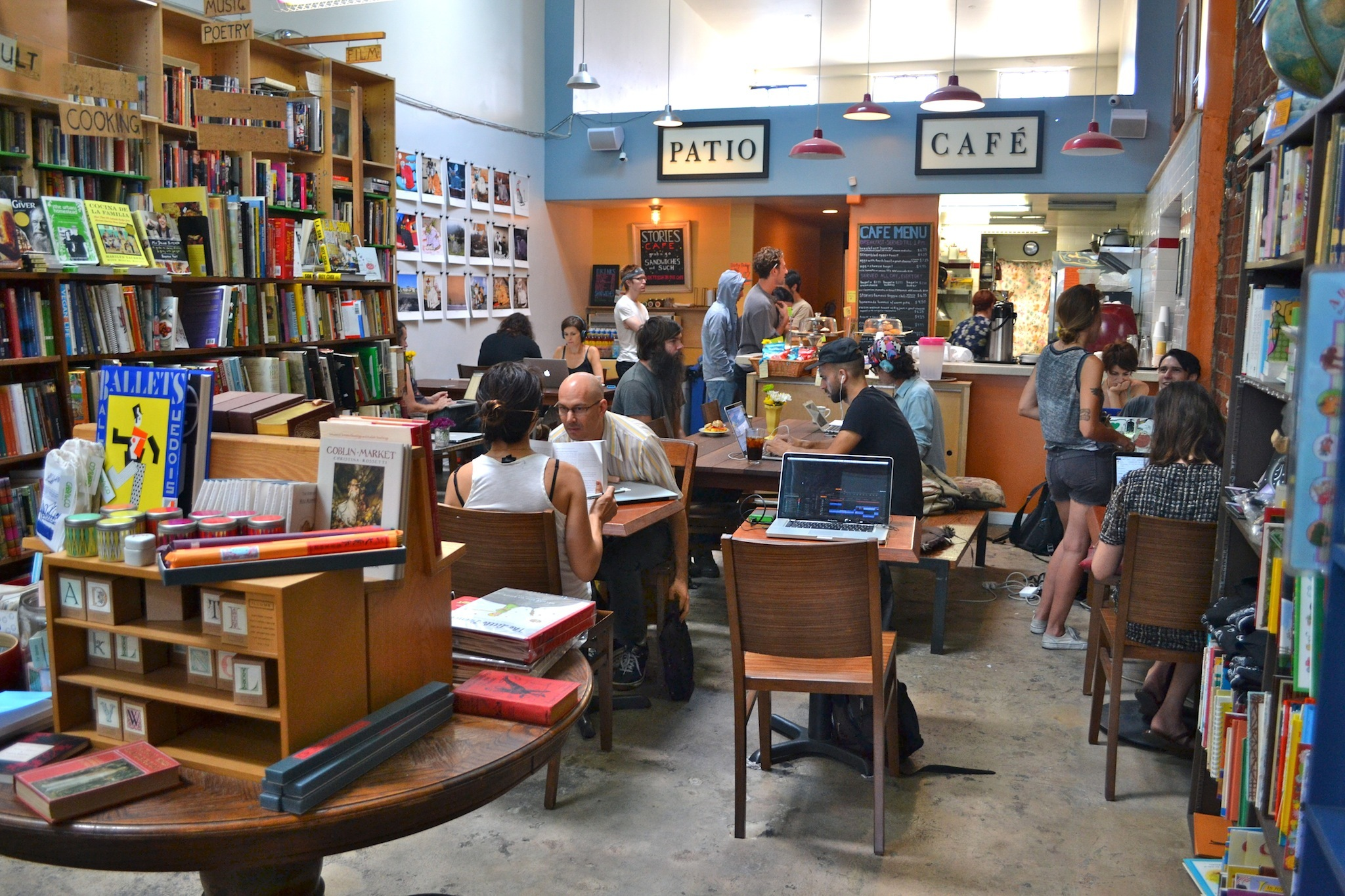 Stories Books and Cafe