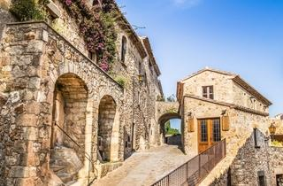 Historical centre of Pals (Baix Empordà)