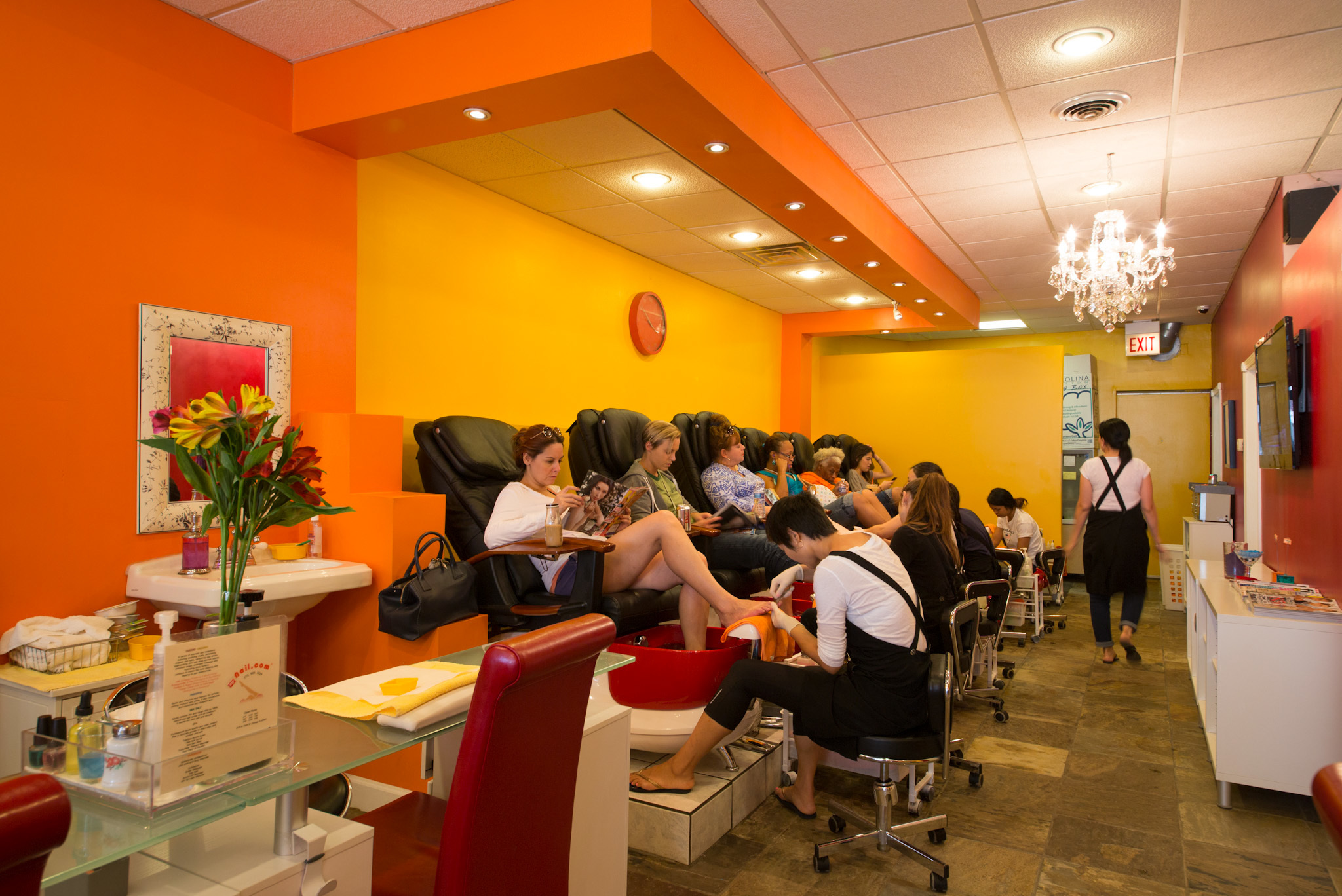 Nail salons in chicago for manicures pedicures and nail art for 24 nail salon nyc