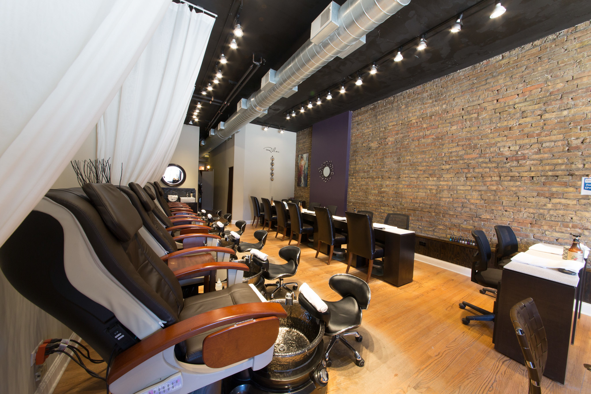 Nas Salon & Spa