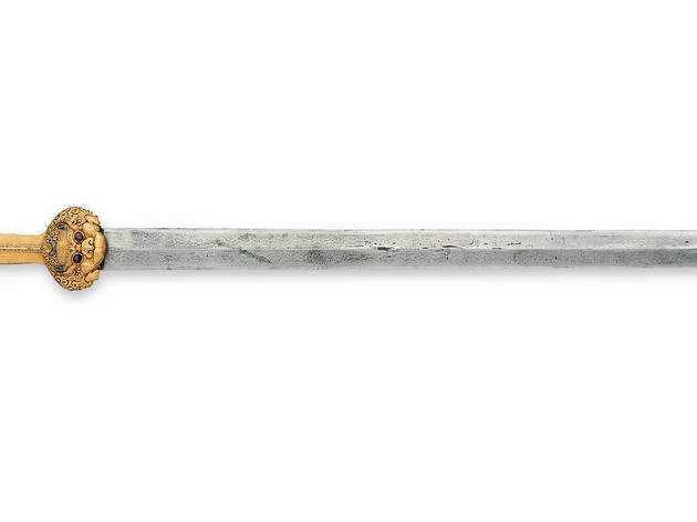 (Sword and scabbard with inscription. Iron, gold, silver, wood and leather. Yongle era about 1420, Beijing. © Royal Armouries)
