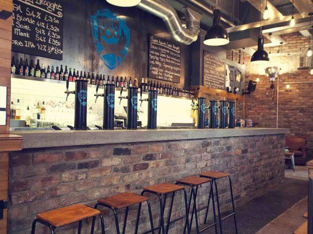 Best edinburgh bars from dive bars to cocktail dens for Craft beer pubs near me