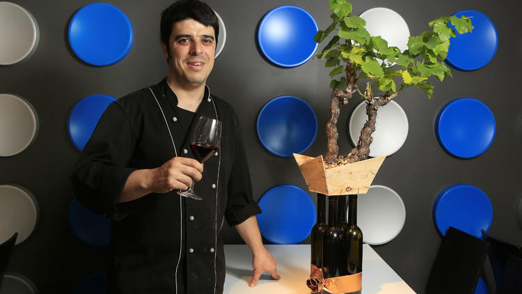 Barcelona 23/07/2014 time out gastronomia restaurante floreta chef xavi jovells plato atun con salmorejo foto Ferran Nadeu