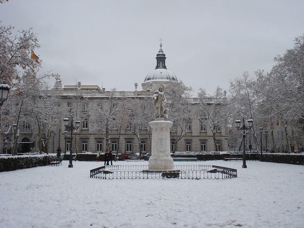 Plaza de la Villa de París