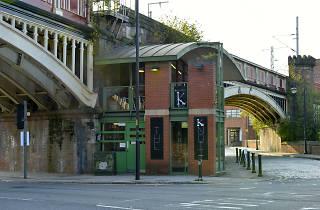The Knott Bar