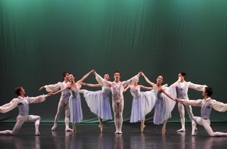 Singapore Dance Theatre presents Ballet Illuminations