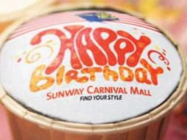 Free birthday cupcake at Sunway Carnival Mall