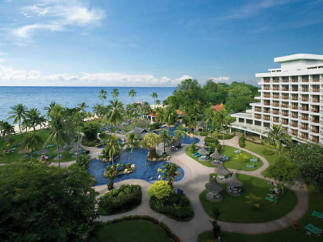 Golden Sands Resort durian package