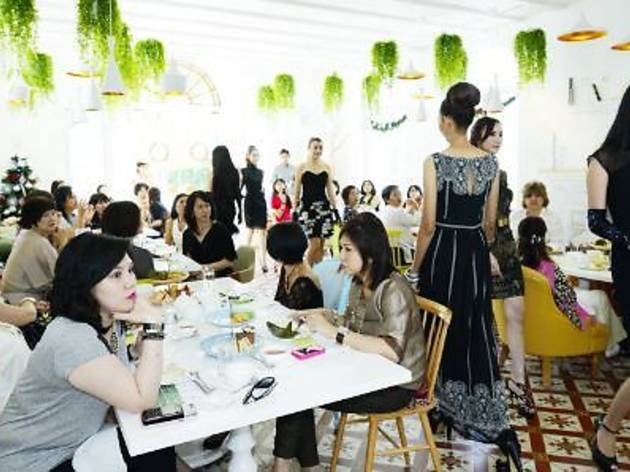 Fashion Afternoon at Living Room