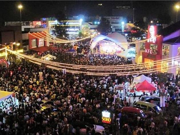 Auto-City New Year Countdown Fiesta 2013