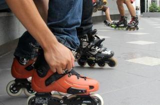 Inline skating class at Gurney Paragon