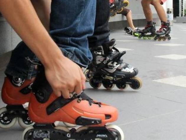 Inline skating class at Gurney Paragon