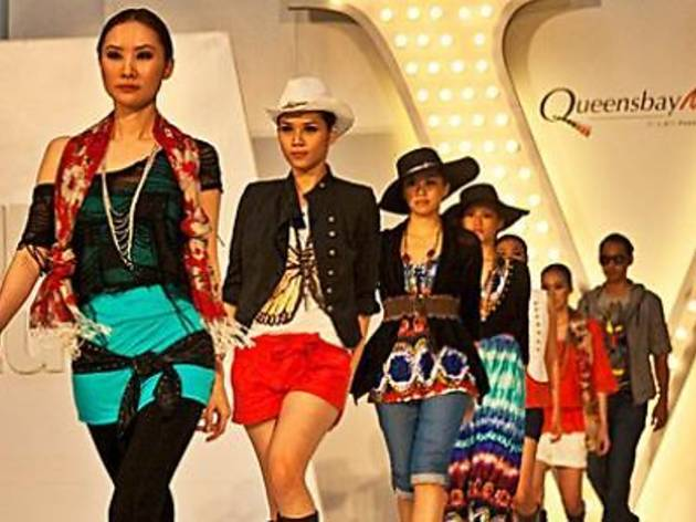 Queensbay Mall's Let's Party Fashion Show