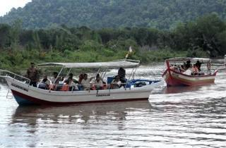 Discover Auto-City River Cruise