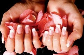 Aqmore Nail Art salon