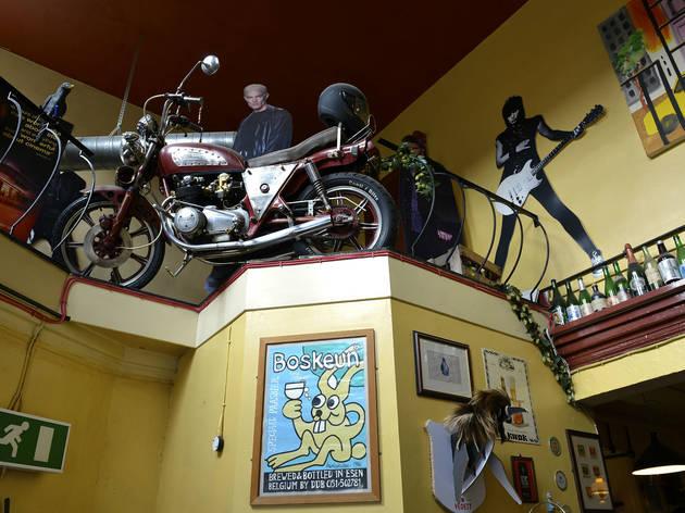 Fringe, Manchester, Bike