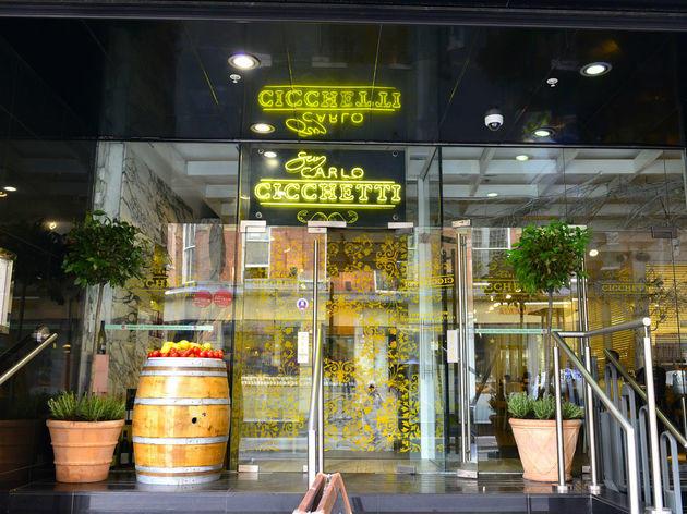 San Carlo Cicchetti, Manchester