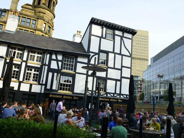 Sinclair's Oyster Bar, Manchester, Exterior