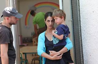 Nadav Lapid, Sarit Larry (Nira) et Avi Schnaidman (Yoav) sur le tournage de L'Institutrice