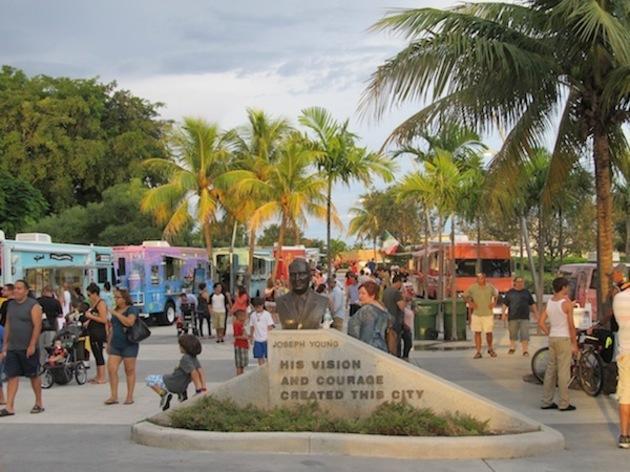 Food Trucks at Arts Park