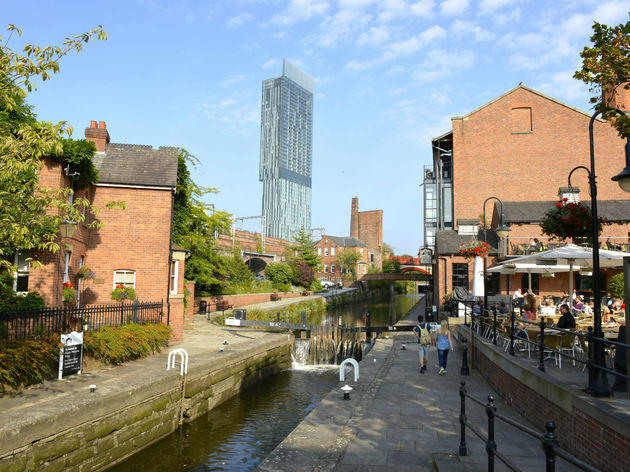Watch a timelapse film showing amazing views of Manchester city centre