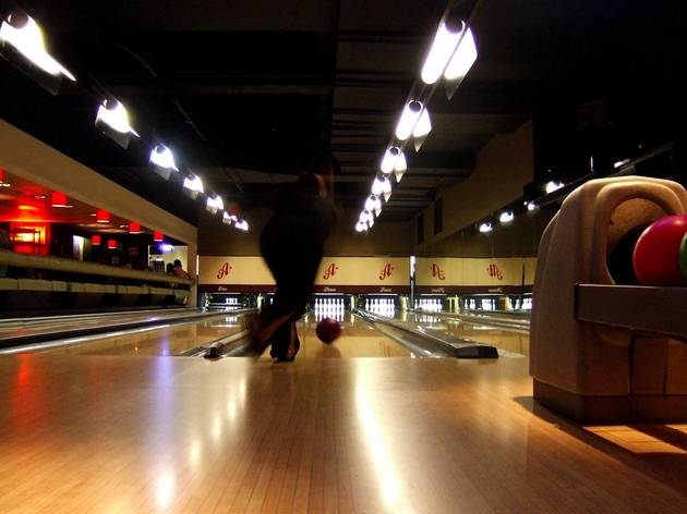 Get some 1960s-style strikes in at Bloomsbury Bowling Lanes