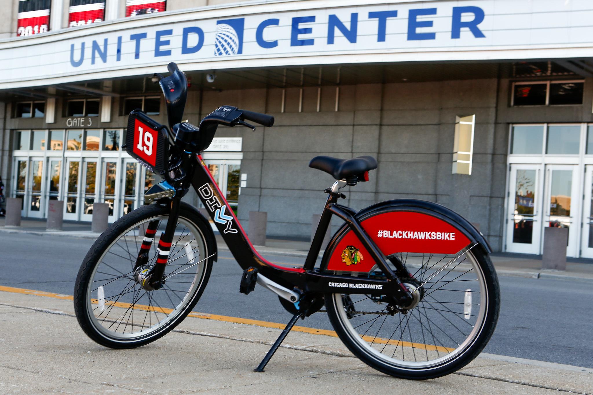 Divvy unveils Blackhawks bikes