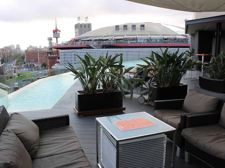B-Pool Bar at B-Hotel