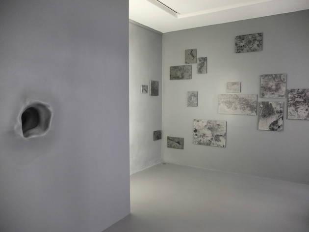 (Vue de l'exposition de Cécile Beau, 'Substrat', 2014 / © TB / Time Out)