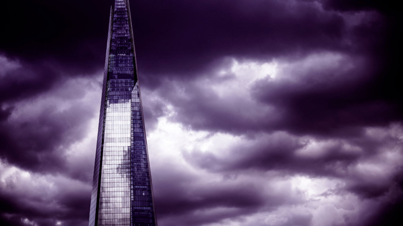 25 moody photos of stormy London