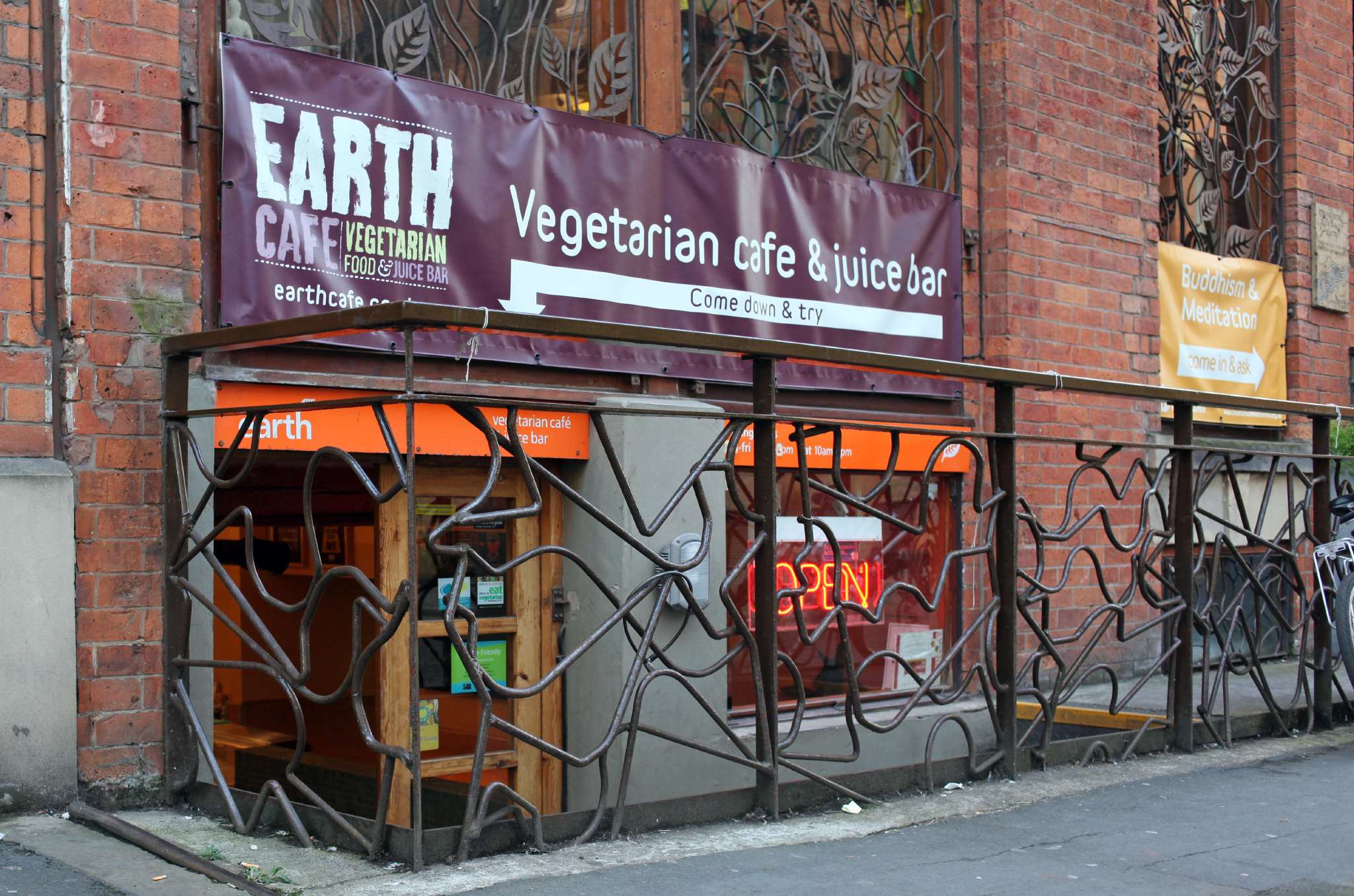 Earth Cafe