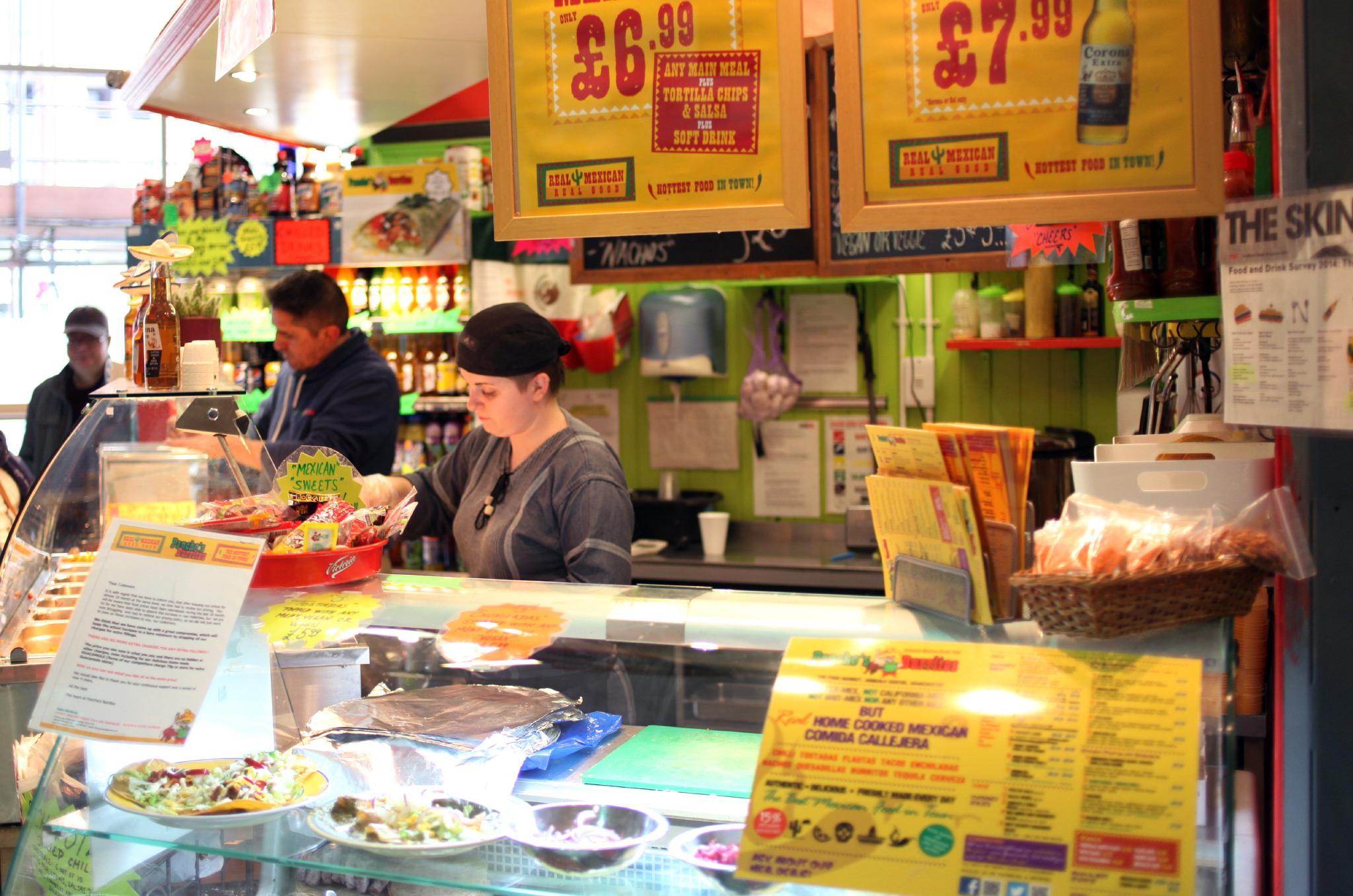 Pancho's Burritos, Manchester, Service