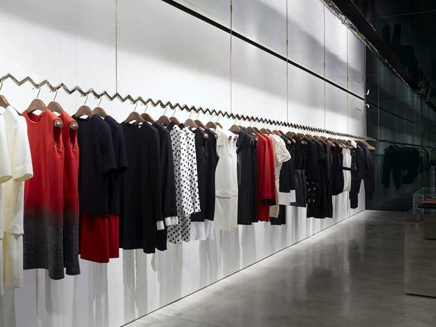 Victoria Beckham Shopping In Mayfair London