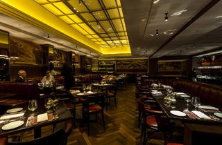 Colony Grill Room (© Ming Tang-Evans)