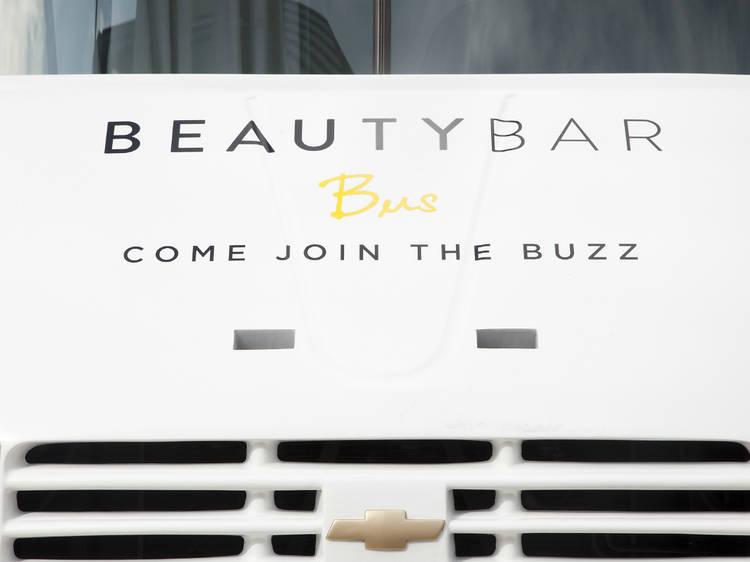 Uñas: Beauty Bar Bus