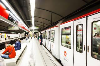 Espectáculo infantil en el metro de Barcelona