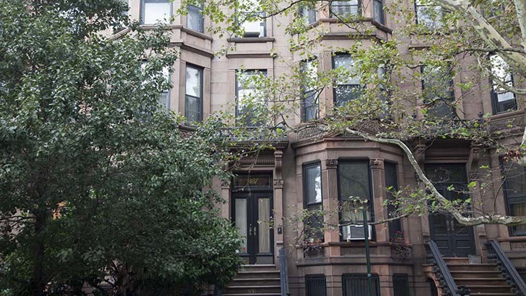 NYC walking tour of Brooklyn's most beautiful brownstones