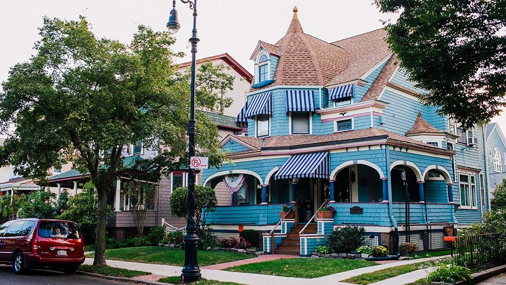 The NYC walking tour of Ditmas Park's Victorian mansions