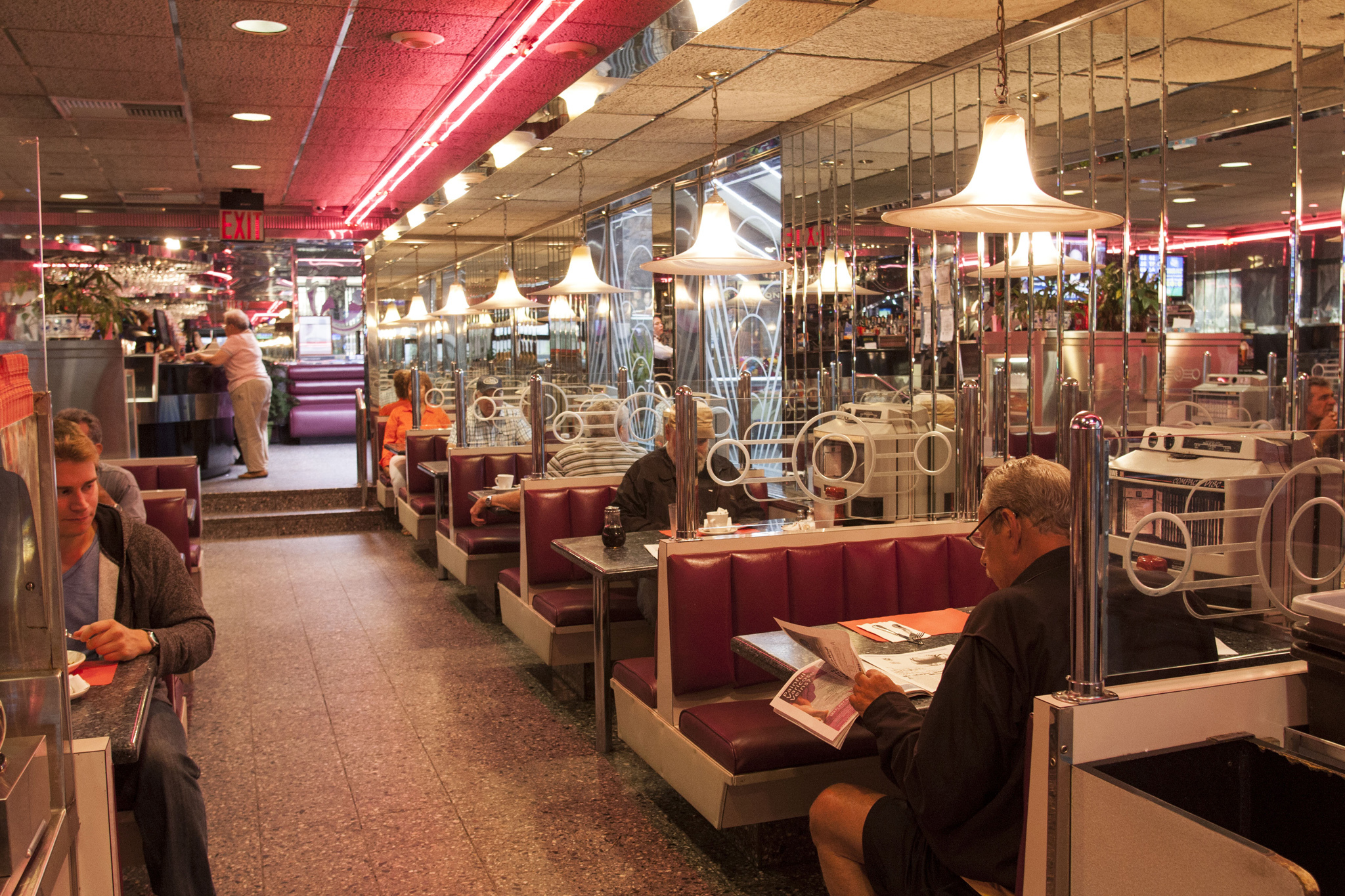 Best diners and luncheonettes in new york city for American classic diner