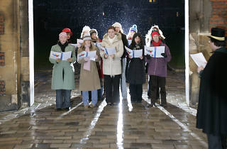 Hampton Court, Christmas carols