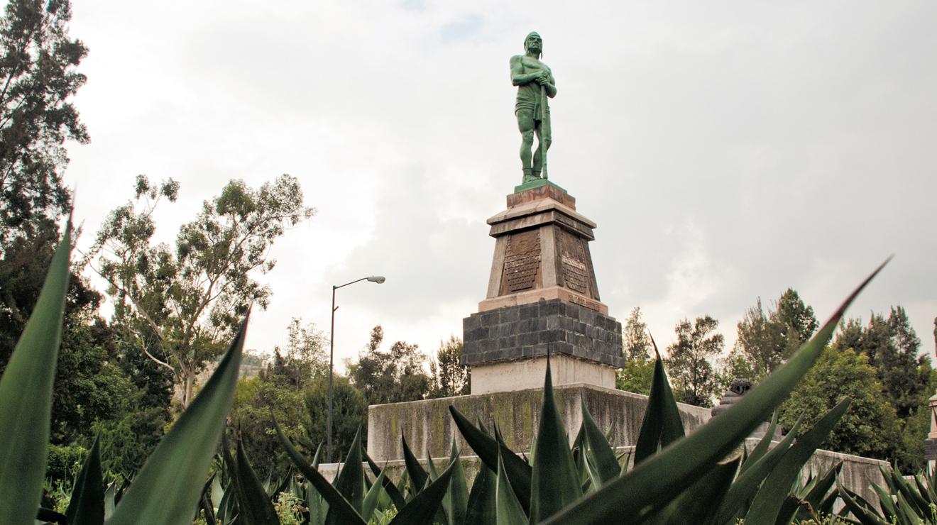 """Estatua de los """"indios verdes"""""""