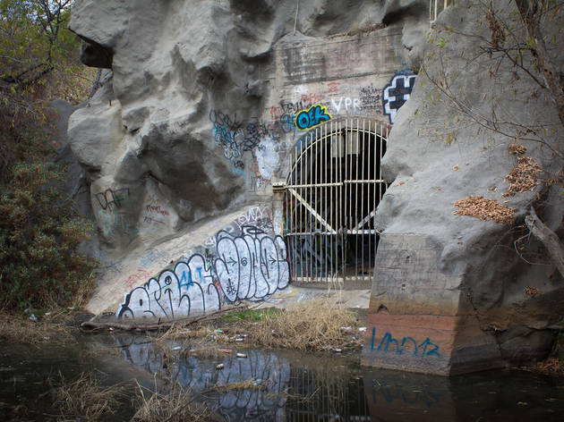 Exploring Devil's Gate, a portal to hell in Pasadena