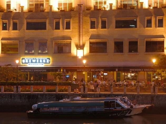 Brewerkz Restaurant & Micro Brewery